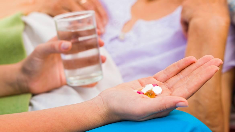 Potrebe po vključitvi zdravstvenega kadra v oskrbo na domu